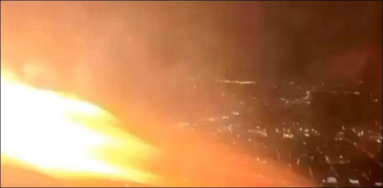 اڑان بھرتے ہی مسافر طیارے کے انجن میں آگ بھڑک اٹھی