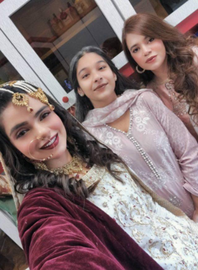 سال 2020 ختم ہونے سے چند گھنٹوں قبل پاکستانی اداکارہ نے بڑا فیصلہ کرلیا 3