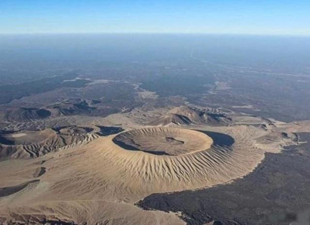 سعودی عرب کے وہ قدرتی مناظر جنہیں دیکھنے والے دنگ رہ جائیں 5