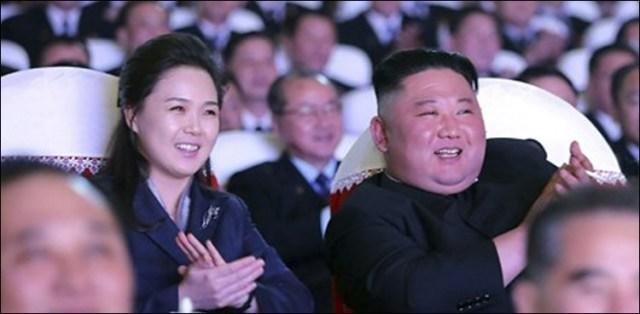 شمالی کوریا کے رہنما کی اہلیہ ایک سال بعد منظر عام پر آگئیں 1