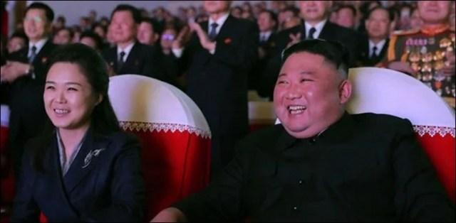 شمالی کوریا کے رہنما کی اہلیہ ایک سال بعد منظر عام پر آگئیں 2