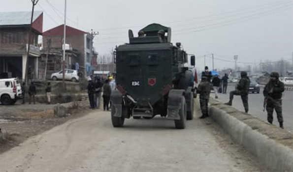 پلوامہ کے اونتی پورہ میں سیکورٹی فورسز پر حملہ، کسی جانی نقصان اطلاع نہیں