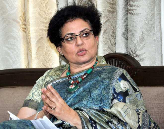 کشمیری خواتین نہیں جانتی 'قومی کمیشن برائے خواتین' کس چیز کا نام ہے: ریکھا شرما