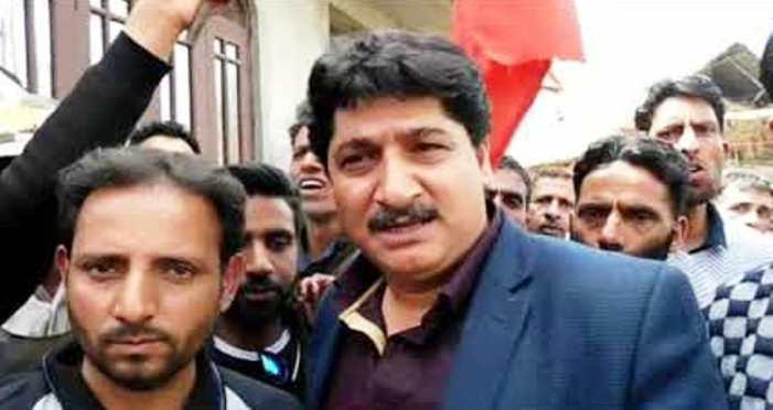 رکن پارلیمان اکبر لون کے بیٹے پر یو اے پی اے کا اطلاق