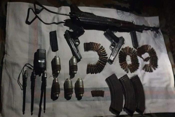 پولیس کا ضلع راجوری کے ایک جنگل میں اسلحہ و گولہ باردو بر آمد کرنے کا دعویٰ