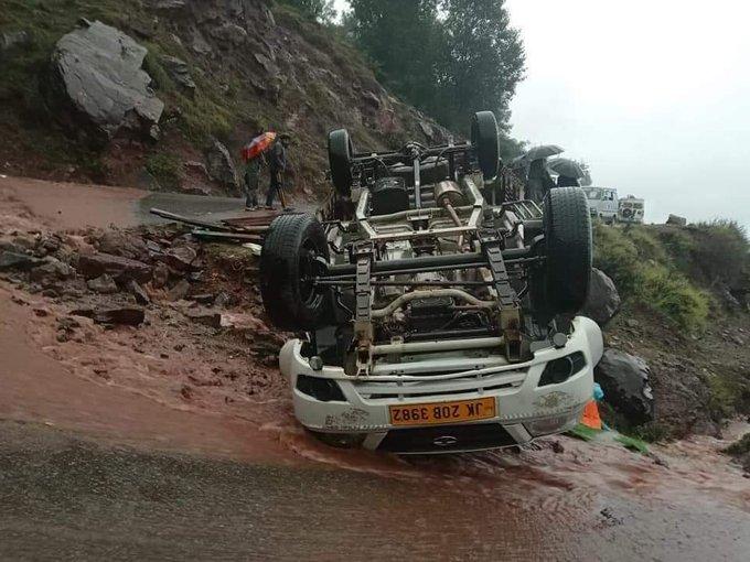 ریاسی میں سڑک حادثہ، ماں بیٹے سمیت تین از جان، چار زخمی