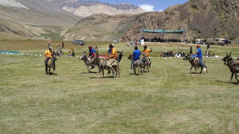 چترال کے بالائی علاقے بروغل میں گدھوں پر بھی پولو کھیلا جاتا ہے
