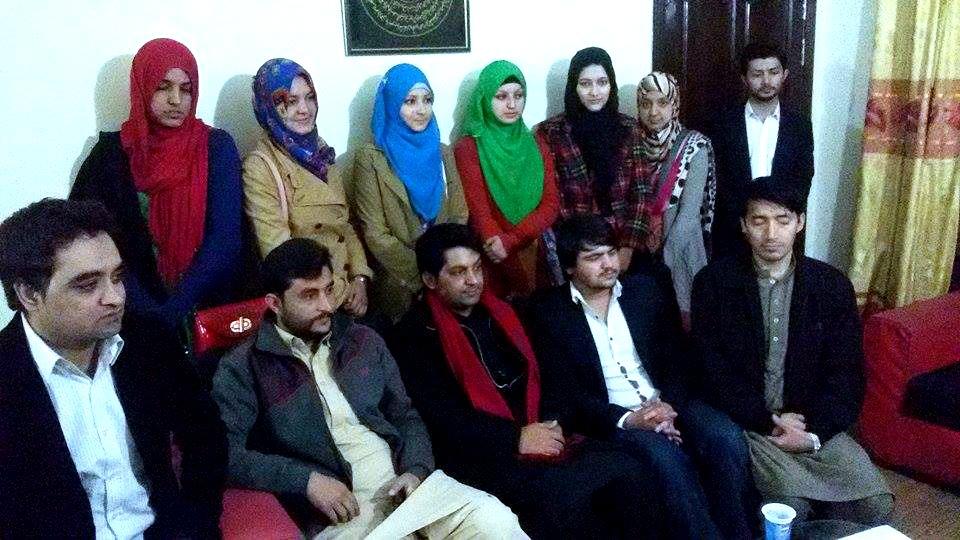 نیشنل یوتھ اسمبلی کے  ممبران  کا صدر حنان علی عباسی کے ساتھ گروپ فوٹو