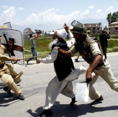 کشمیر بھارت کے ہاتھوں سے نکل رہا ہے