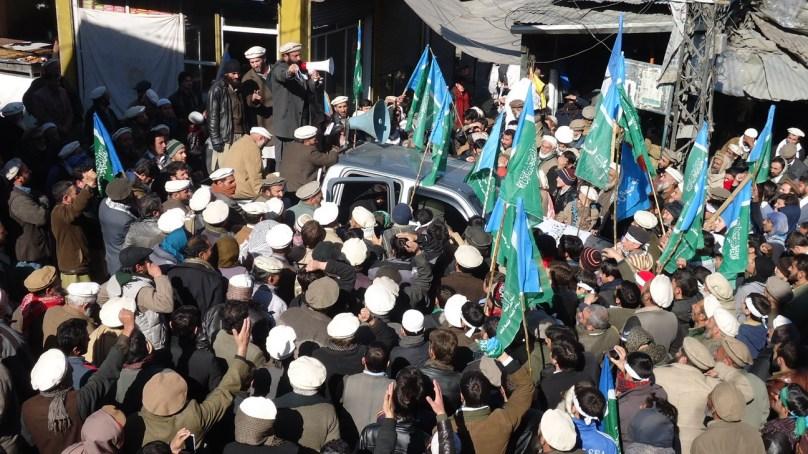 کشمیر پاکستان کی شاہ ر گ ہے اس کی آزادی کیلئے ہر قسم کی قربانی کیلئے تیار رہنے کی ضرورت ہے۔اے اے سی عبدالاکرم