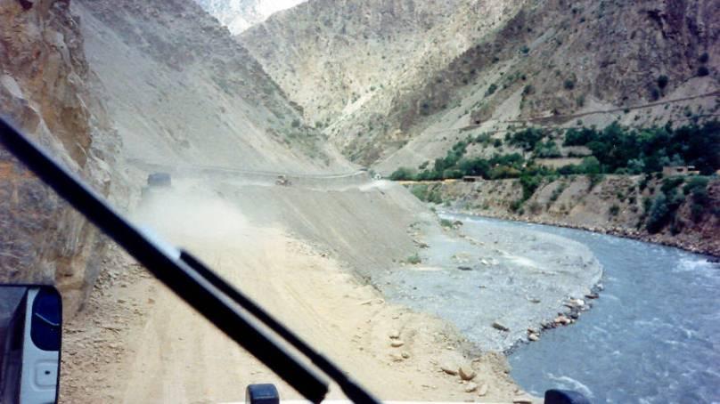 چترال، تحصیل دروش کا اوسیک نامی گاؤں اسی فی صد زلزلے سے متاثر، متاثرین امداد سے محرم