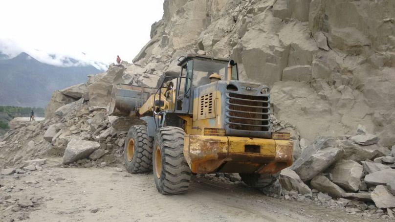 گلگت بلتستان میں 95 فیصد سڑکیں ٹریفک کے لئے بحال کر دی گئی ہیں، محکمہ تعمیرات کا دعوی
