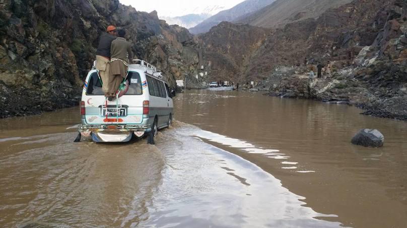 ضلع دیامر میں قیامت خیز بارشوں کی وجہ سے ہلاکتوں کی تعداد 15 ہو گئی، شاہراہ قراقرم تاحال بند