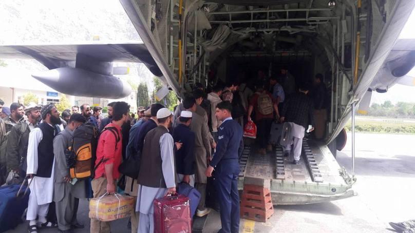 روزانہ اسلام آباد سے گلگت اور سکردو چار سی ون تھرٹی جہازوں میں گندم پہنچایا جارہا ہے، واپسی پر مسافروں کو نکالا جارہا ہے، ترجمان وزیر اعلی