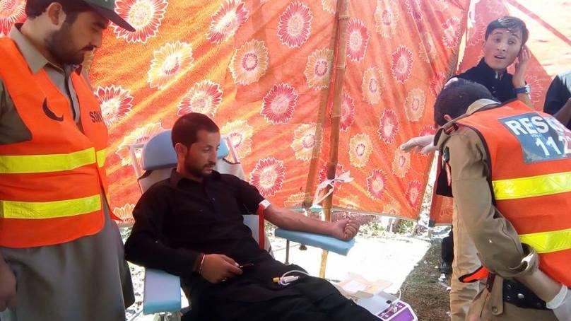 سید آباد سہار ویلفئیر آرگنائزیشن نے جلوسِ عاشورہ کے دوران گلگت میں بلڈ ڈونیشن کا کیمپ لگایا