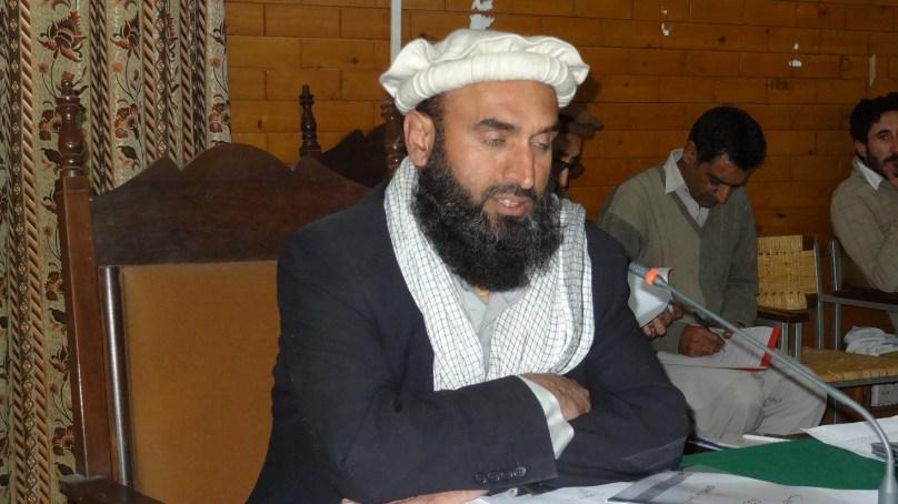 بعض سرکاری افسران ضلع کونسل کو دیوار سے لگا رہے ہیں،  ردِ عمل پر مجبور نہ کیا جائے، مغفرت شاہ ناظم چترال