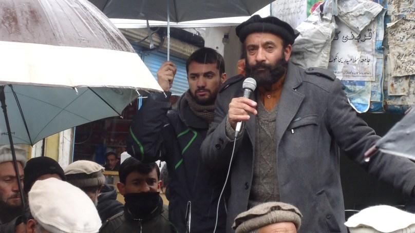 چترال: این ایچ اے حکام وزیر اعظم کے خلاف چترالی عوام کے دل میں پیدا شدہ مقام کو نفرت میں بدلنے کی مذموم کو شش کر رہے ہیں- جے آئی جلسہ