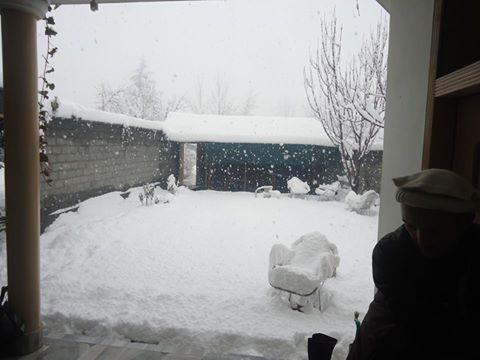 چترال: شدید برفباری سے نظام زندگی مفلوج