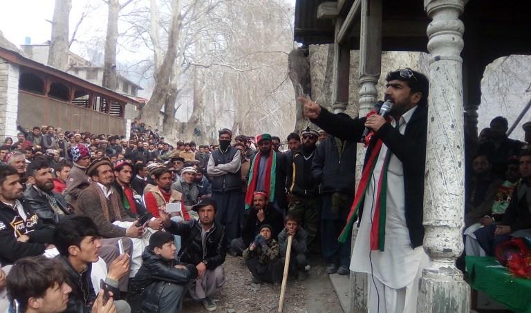 چترال میں تحریک انصاف کا سیاسی جلسہ ، نو منتخب ضلعی صدر عبدالطیف نے خطاب کیا