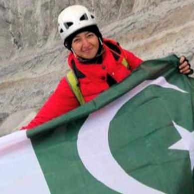 سکردو : خاتون کوہ پیماء اور سائیکلسٹ ثمر خان نے 6250 میٹرسے زائد اونچی چوٹی برگن چوٹی سر کر لیا