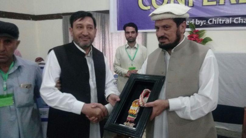 چترال: انجینئر فضل ربی کو بزنس ایوارڈ سے نوازا گیا
