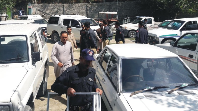 سکردو میں غیر رجسٹرڈ اور ٹیکس نادہندہ سرکاری و غیر سرکاری گاڑیوں کے خلاف کاروائی کا آغاز