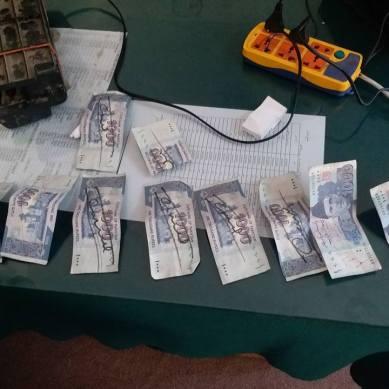 چلاس میں ہزار اور پانچ ہزار کی جعلی کرنسی پھیلانے کے الزام میں چلغوزے کے بیوپاری گرفتار