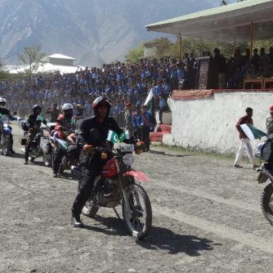 چترال : پاک آرمی کے زیر انتظام یوم آزادی اور امن موٹر سائیکل ریلی کا آغاز