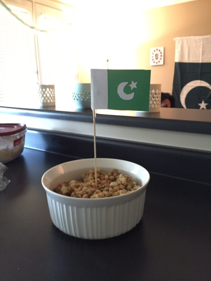 Pakistan theme dish