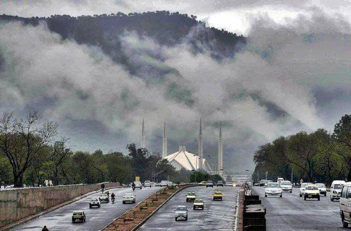 raining in islamabad