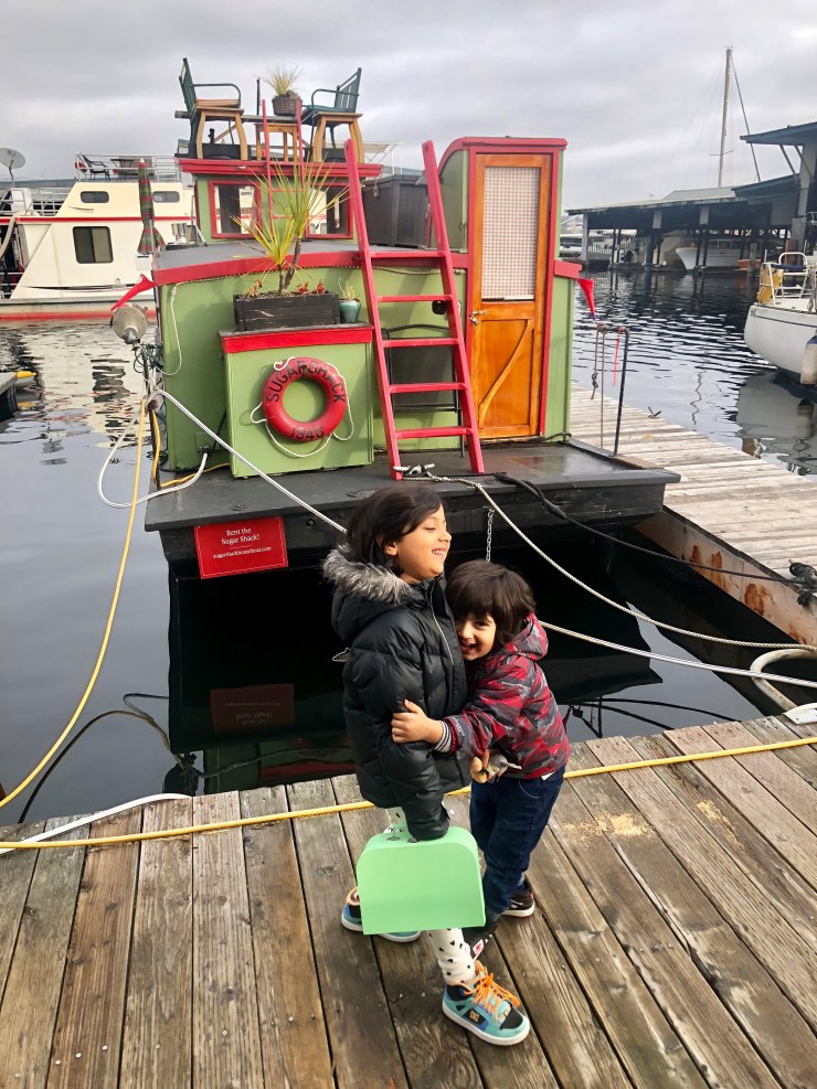 staying on a houseboat with kids