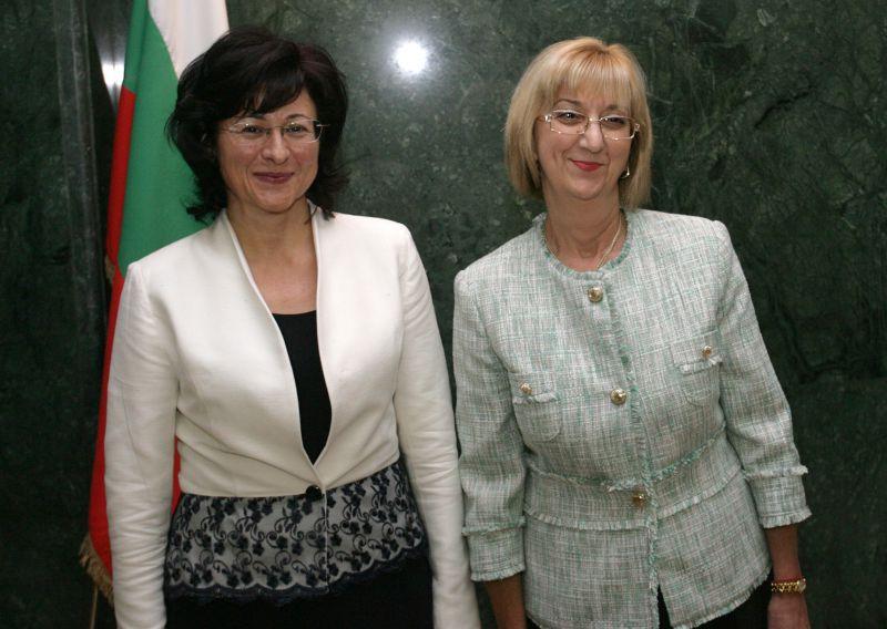 От предишните две кандидатки Павлина Панова и Таня Райковска, сега в надпреварата е само Панова. БГНЕС