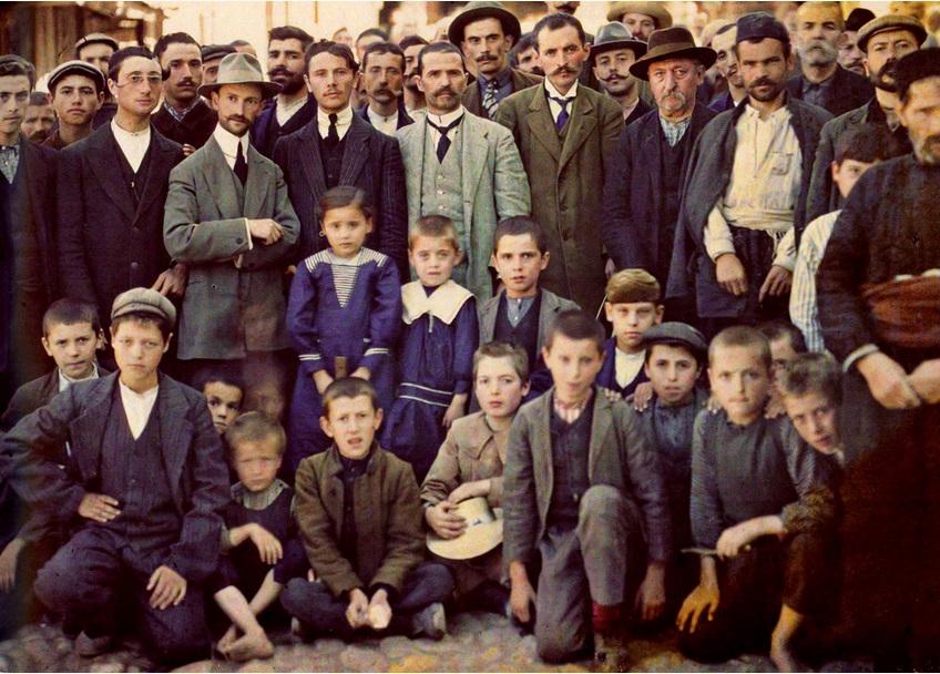 Бежанци в Мелник