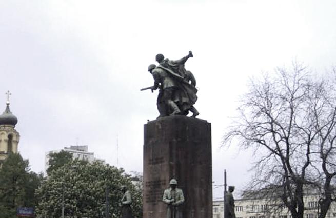 Паметникът на Съветската армия  във Варшава