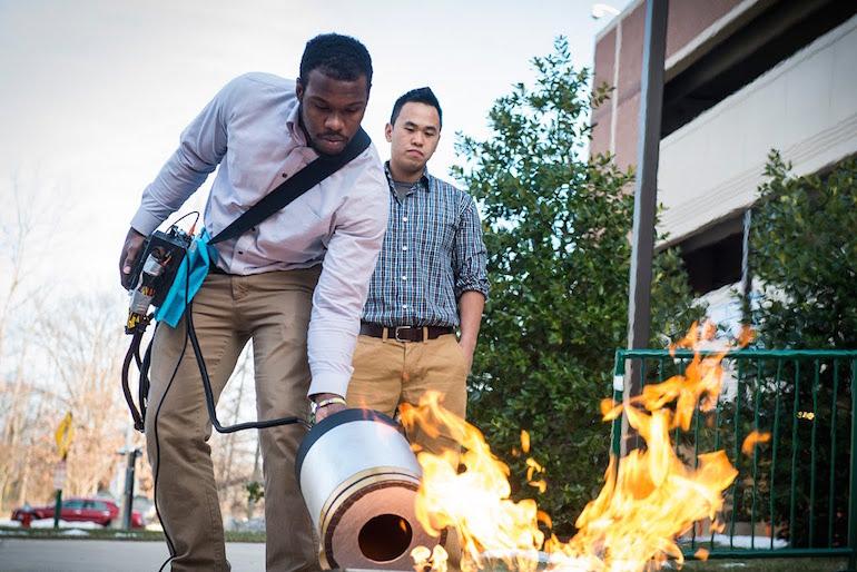 пожар огън пожарогасител студенти сащ