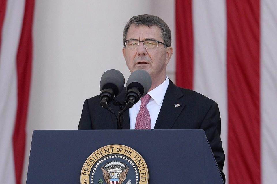 Министърът на отбраната на САЩ Аш Картър. Снимка: ЕРА/БГНЕС