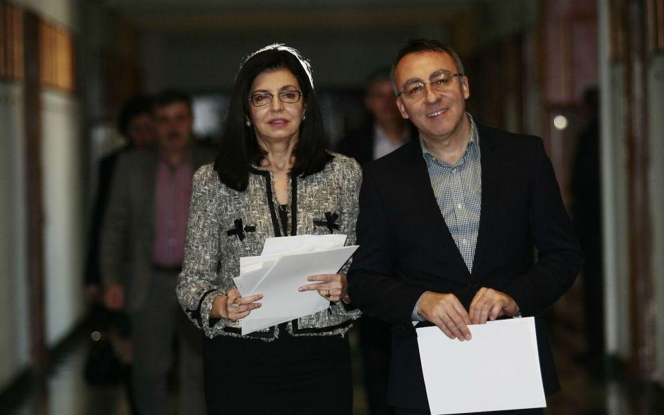 Вицепремиерът и министър на просветата Меглена Кунева и заместникът й Диян Стаматов
