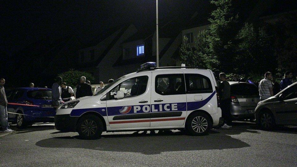 франция париж терор манянвил