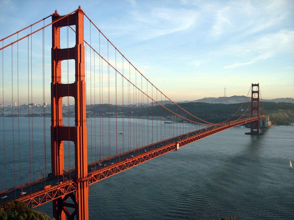 Известният Голдън гейт бридж в Сан Франциско. Снимка: Wikimedia
