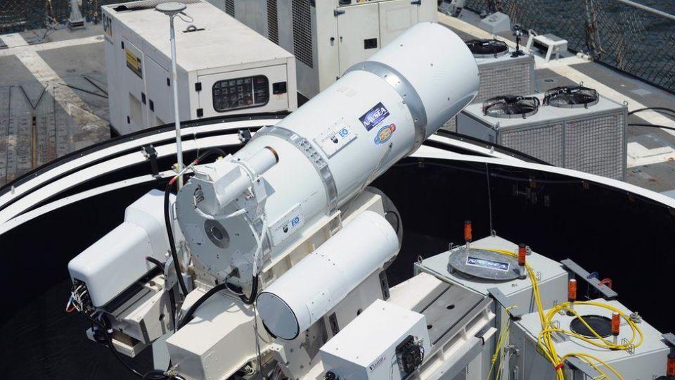 Лазерната оръжейна система Laws на въоръжение във флота на САЩ