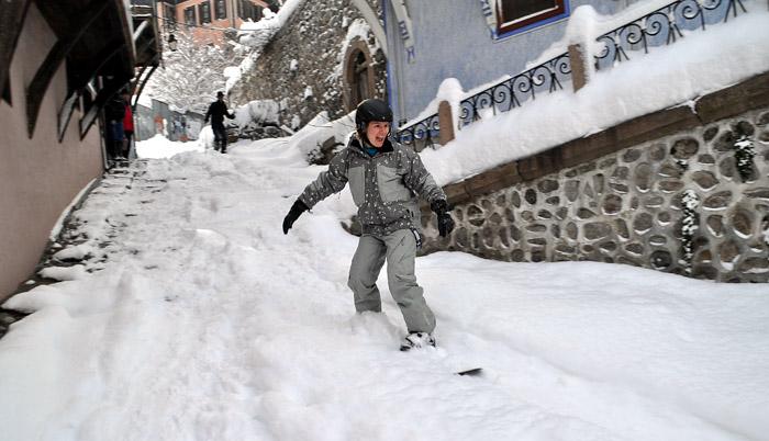 Сноуборд в стария град в Пловдив (2012 г.). Снимка: Под тепето