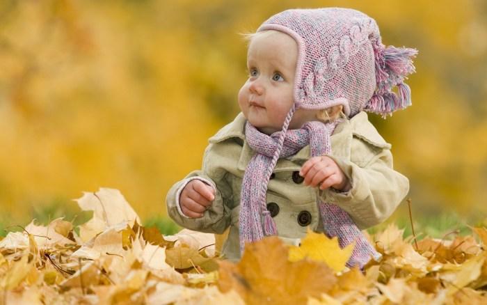 Cute-baby-fall_1920x1200
