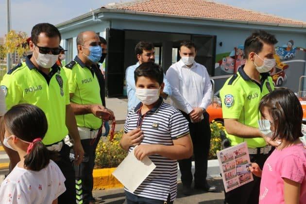 Fahri Trafik Polisleri Görev Başında