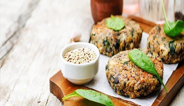 Quinoa,Spinat Kichererbsen Burger Rezept mit Vitamin B12 und Eisen, vegetarisch