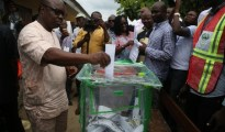 Dr Emmanuel Uduaghan, Governor of Delta State casting his vote in his Abigborode home town during the 2015 Governorship election.