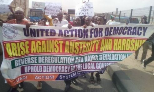 Nigerians  March Against Buhari In Lagos, Lament Increasing Hardship, Austerity