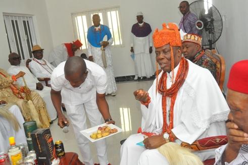HRM Ogurimerime Ukori 1 of Agbon Kingdom praying before the event proper