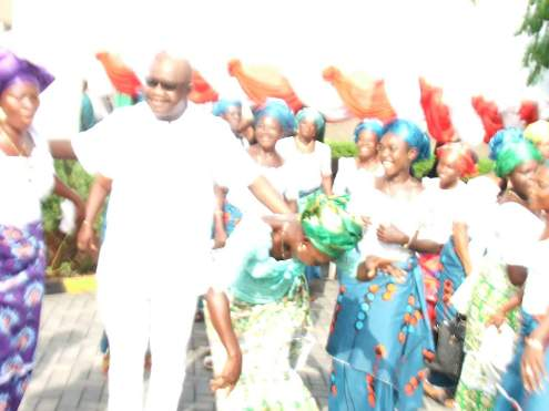 Delta: PDP Chieftain Ejakpovi Empowers Isoko Women as Owhefere Drums Support For Okowa