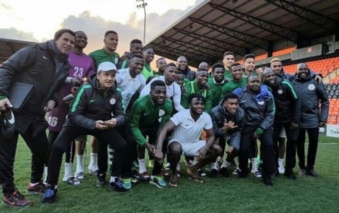Rohr and players of Super Eagles