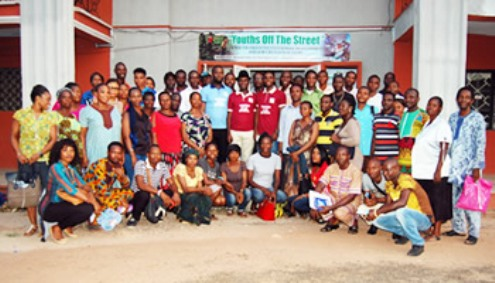 Nigerians who benefitted from the empowerment programme of Youths Off The Streets Initiative in group picture